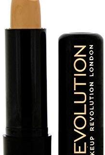MAKEUP REVOLUTION Matte Effect Concealer MC 09 Medium Dark, 3 g
